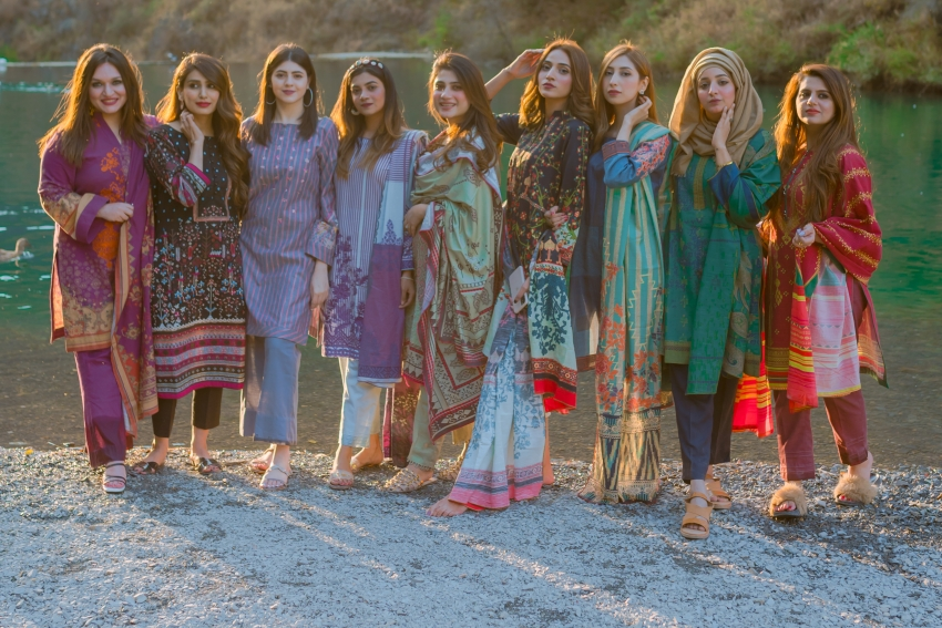 Alkaram's Winter Collection is all That you Need This Winter!