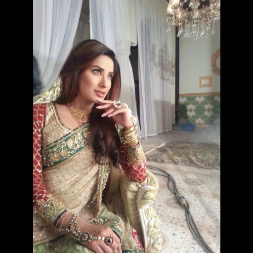 Mehwish Hayat in Nomi Ansari