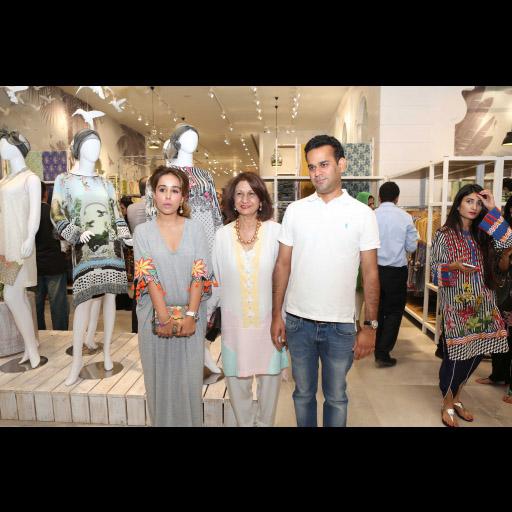 Iqra Mansha, Naz Mansha and Hassan Mansha
