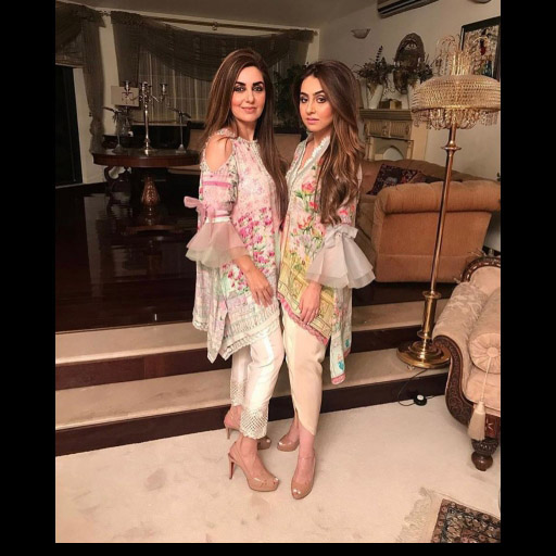 Mahak Bokhari and her mother twinning in FTA on Eid