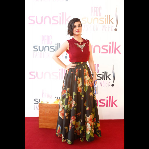 Psfw 39 15 Pfdc Sunsilk Fashion Week Day 2 Red Carpet Fashion And Style Spotted