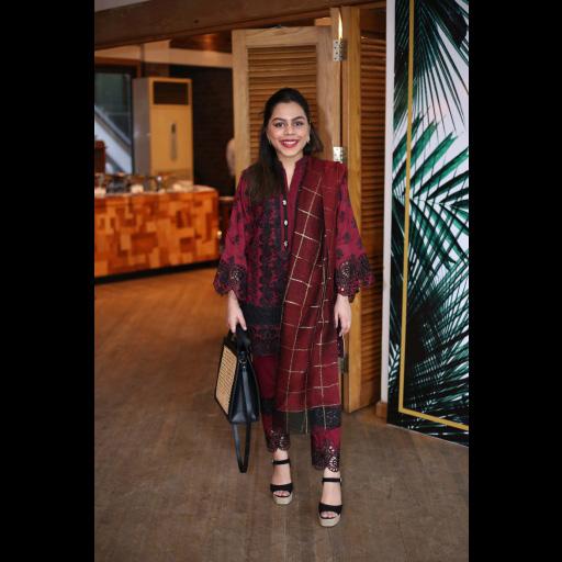 Nur Zehra wearing Zainab Chottani's ChikanKari Eid Festive Collection 2018