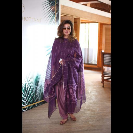 Rabia Butt wearing Zainab Chottani's ChikanKari Eid Festive Collection 2018