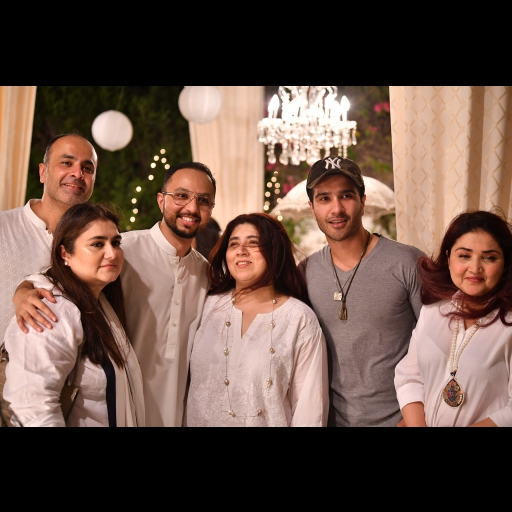 Shamian, Deepak, Nomi, Aamna, Feroz and Huma