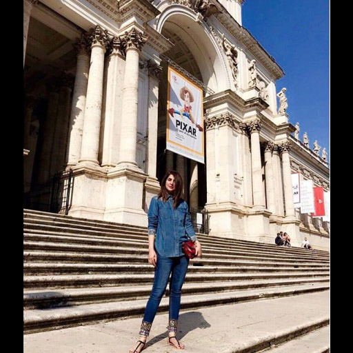 Areeba Habib takes some time off to relax in beautiful Rome!
