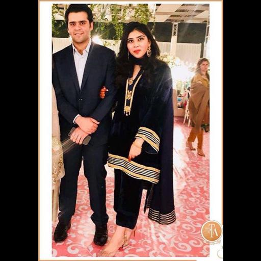 Zainab Sohail a laid back luxe velvet kurta.