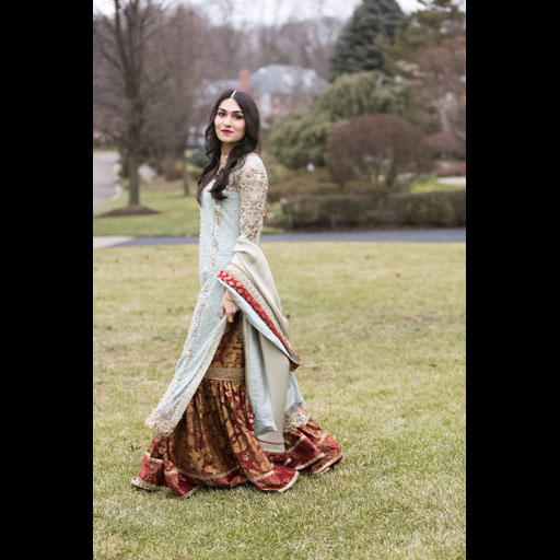 Sabeela Zia wears Tena Durrani on her engagement