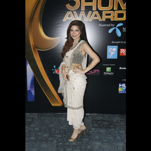 Ayesha Omer in Shehla Chatoor ensemble and accessories