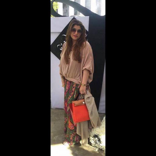 Shazia Carim in Momina Teli