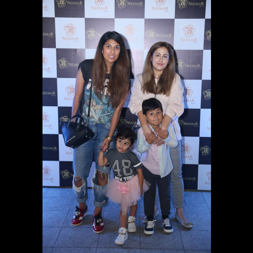 Maira Paganwala and Alizeh Pasha with their Kids