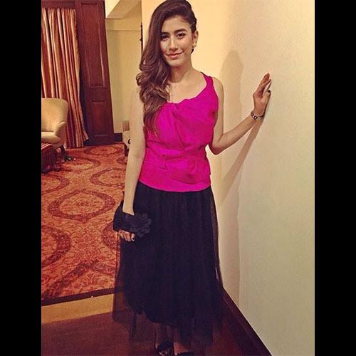 Syra Shehroze in Sana Safinaz