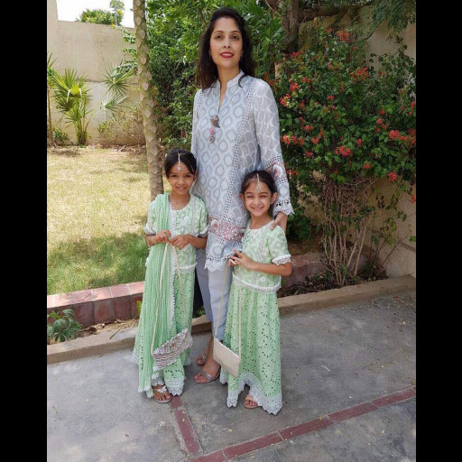 Kulsoom Hashwani and daughters in Sanam Chaudhri