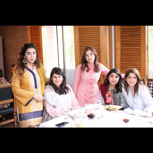 Jza, Selina, Alina, Sadaf and Nafisa