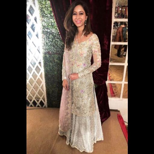 Samreen glowing in a Farah Talib Aziz festive wear look for a wedding.