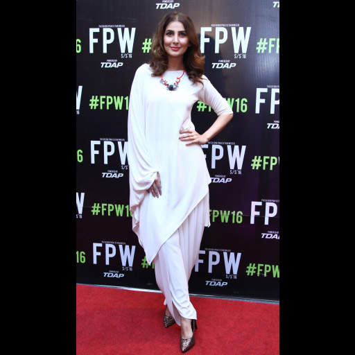 Fpw 2016 Fashion Pakistan Week Red Carpet Day 3 Fashion