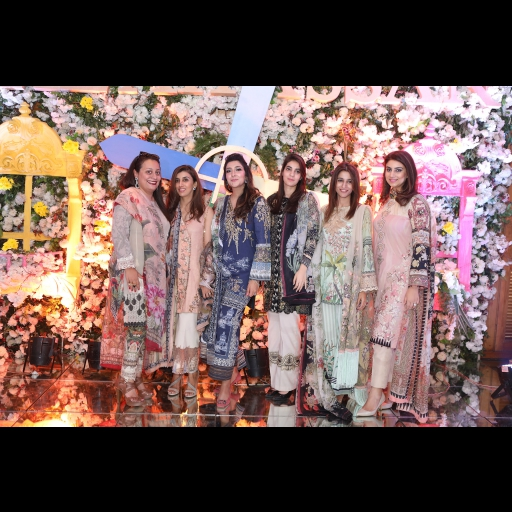 Shiza Hassan glowing in her debut lawn along with her friends