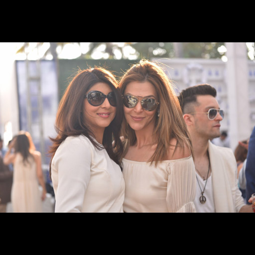 Sana Bucha with friend