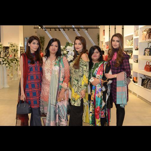 Amna Babar, Urooj, Nattym Sobia, Alyzeh Gabol