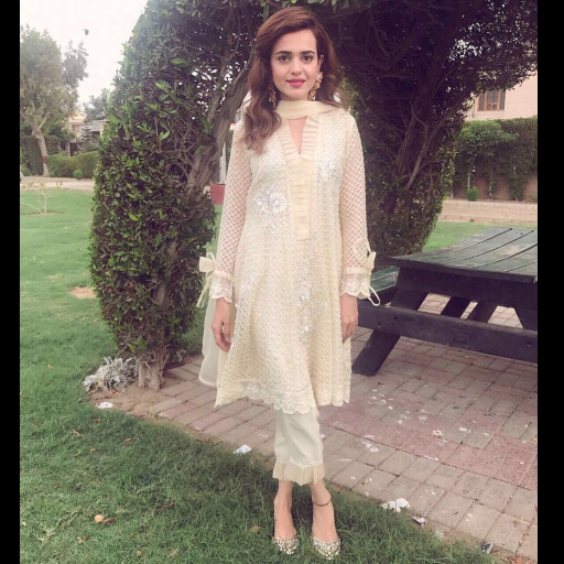 The very talented Sumbul Iqbal Khan glows in Sana Abbas this Eid