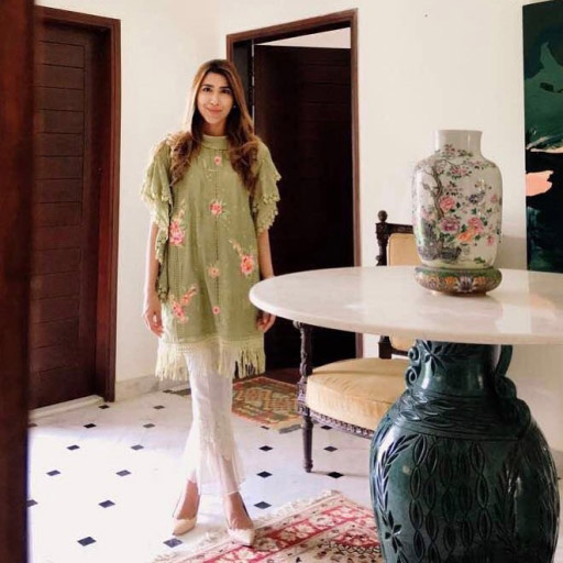Rabia Farooqui absolutely stunning in Nadia Farooqui this Eid
