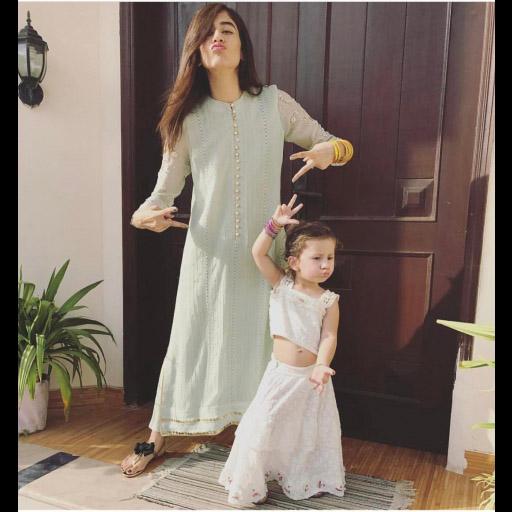 Syra Sharoze in Farah Talib Aziz