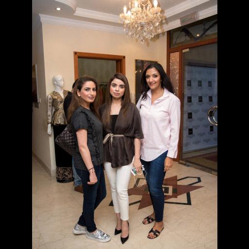 Mona, Sana, Saima