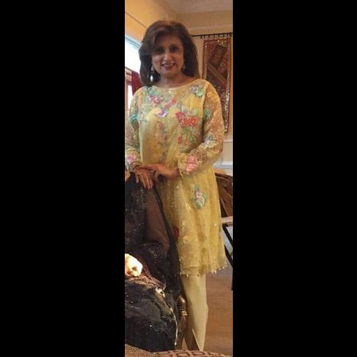 Meher Akhtar sports a nice and summery yellow Sanam Chaudhri Ensemble for Eid