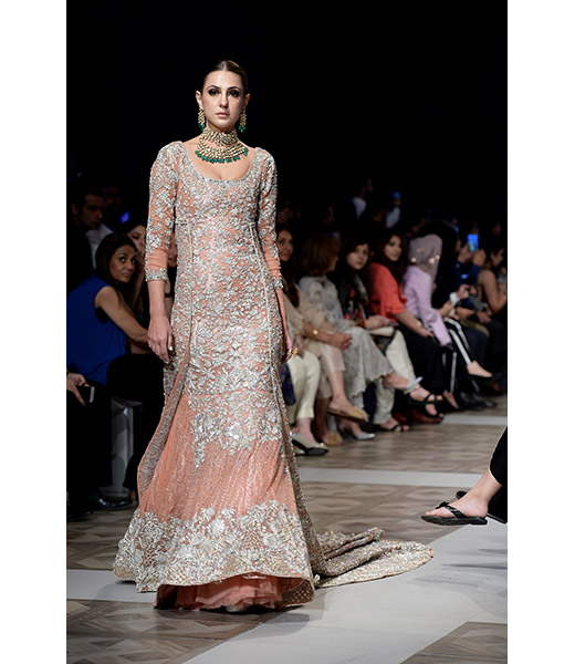 Sara Rohale Asghar Fashion Pakistan Sara Rohale Asghar