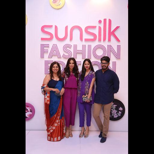 Fareshteh, Fauzia, Maheen Kardar and Tabish
