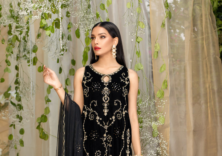 Exhibition Hit List: Exclusive Exhibition Preview of Farida Hasan AW19 Formals!