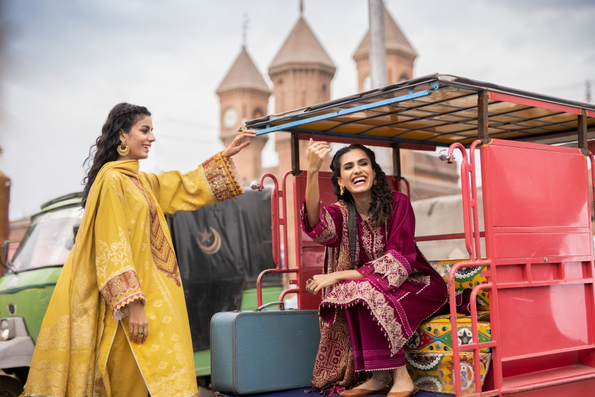 Moments of Joy Reflected in Sapphire's Festive Collection 2021